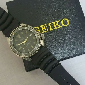 Seiko scuba 7002- 7009 divers Automatic date at 3 big 150 m black